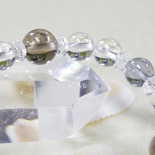 フローライトとアクアオーラと水晶のブレスレット