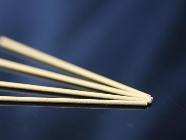 画像1: 医珀香 (琥珀と白檀のお香) スティック型 21cm 【お徳用…約160本入り】★宅配便送料★ (1)